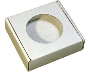 Коробочка из микрогофрокартона с круглым окошком. Белая